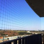 установка-сетки-для-кошек-на-балкон